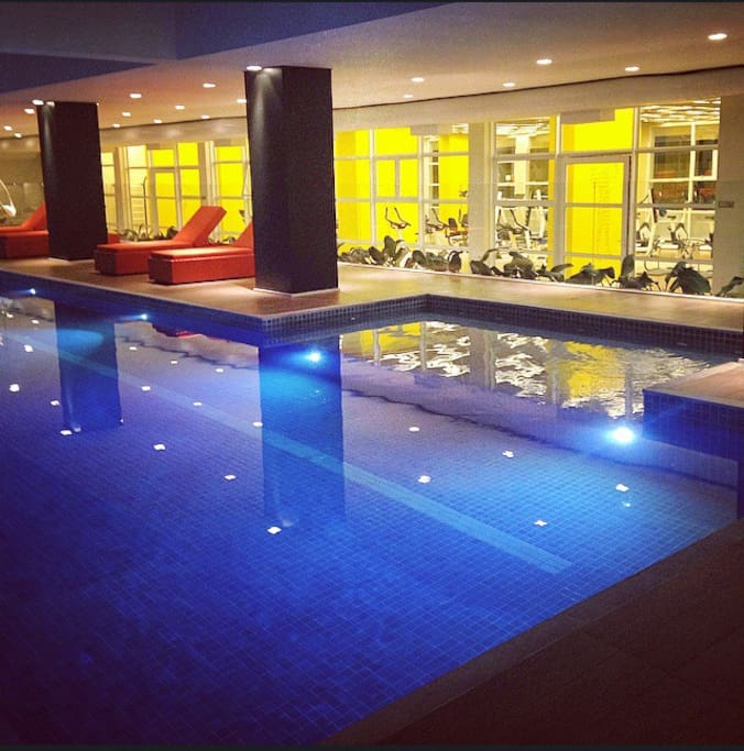 heated indoor swimming pool (24hour)
