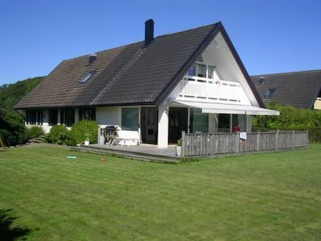 Family friendly villa,Särö, 230 sqm - Särö - Dom