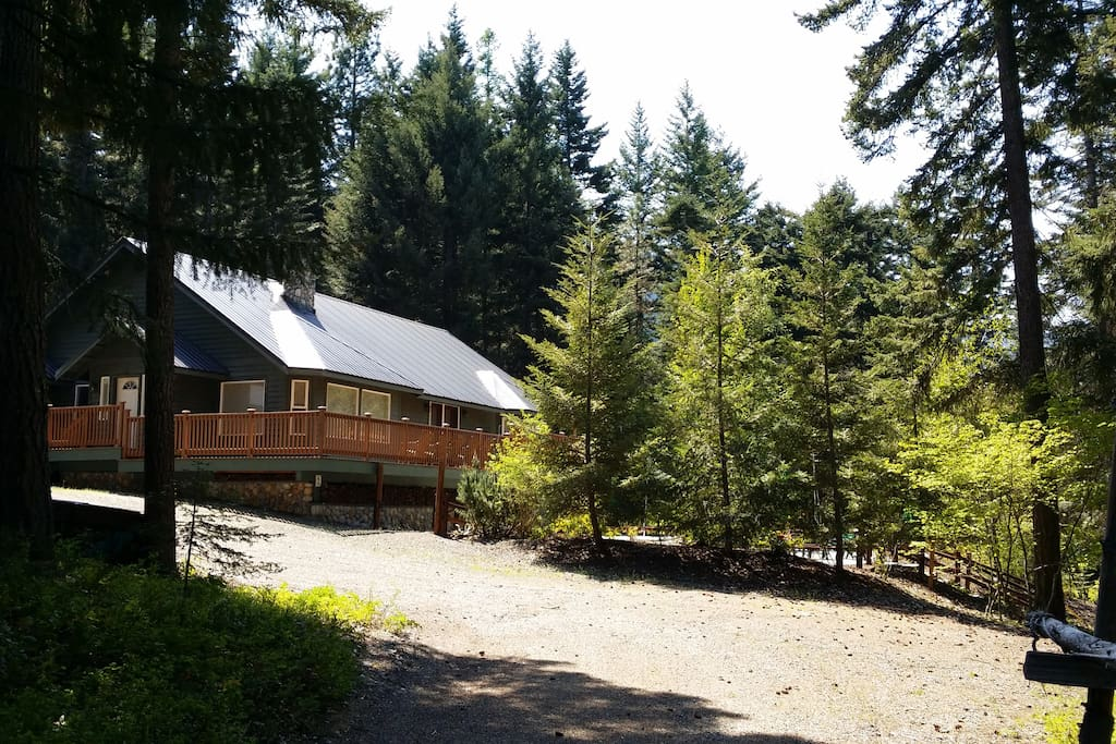 Urban cabin in the woods with pool maisons louer for Cle elum lake cabins