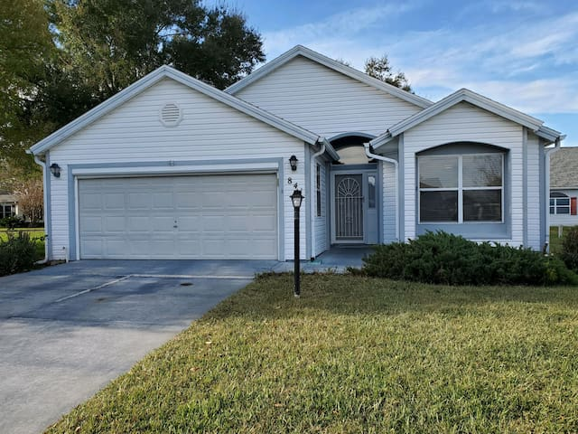 Entire 2 Bedroom House in the Villages Florida