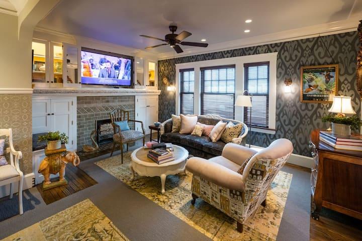 Luxury 2 BR apartment 1