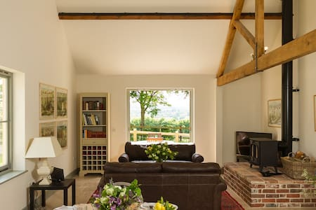 Pretty barn conversion in rural Dorset - Hanford