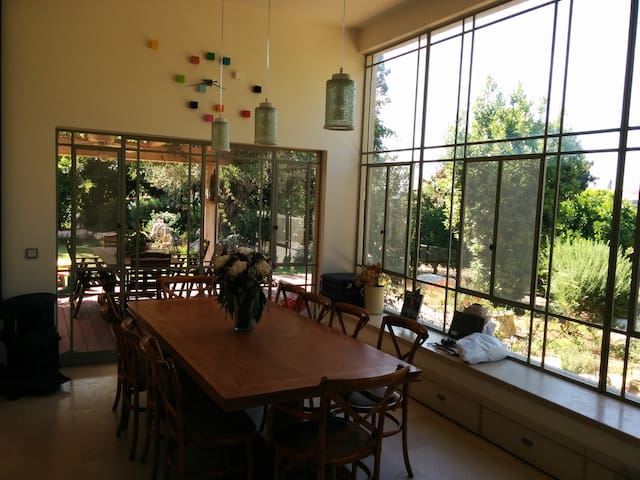 Luxurious farm house near Netanya - Beit Yitzhak-Sha'ar Hefer - Huis