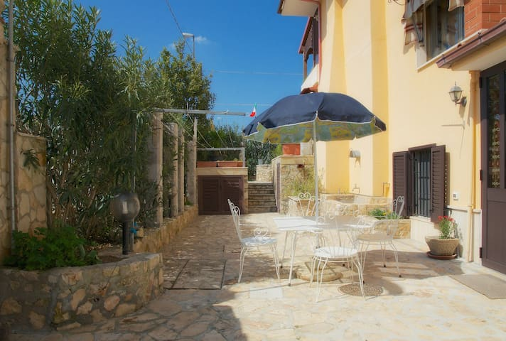 Cozy cottage in Salento - Acquarica del Capo - 一軒家