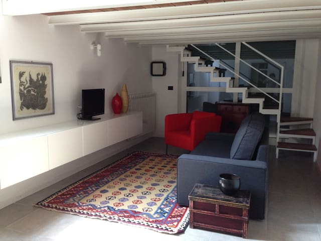 Lovely loft, recently renovated. - Settimo Milanese - Vindsvåning