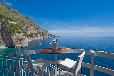 Romantic room on the sea of amalfi  - Praiano
