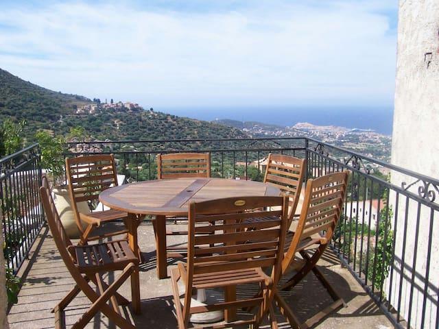 Appartement dans maison Corse - Santa-Reparata-di-Balagna - Flat
