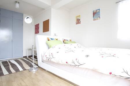 SHIBUYA 3MIN WALK / 2BEDROOMS COZY QUIET CENTRAL! - Lägenhet
