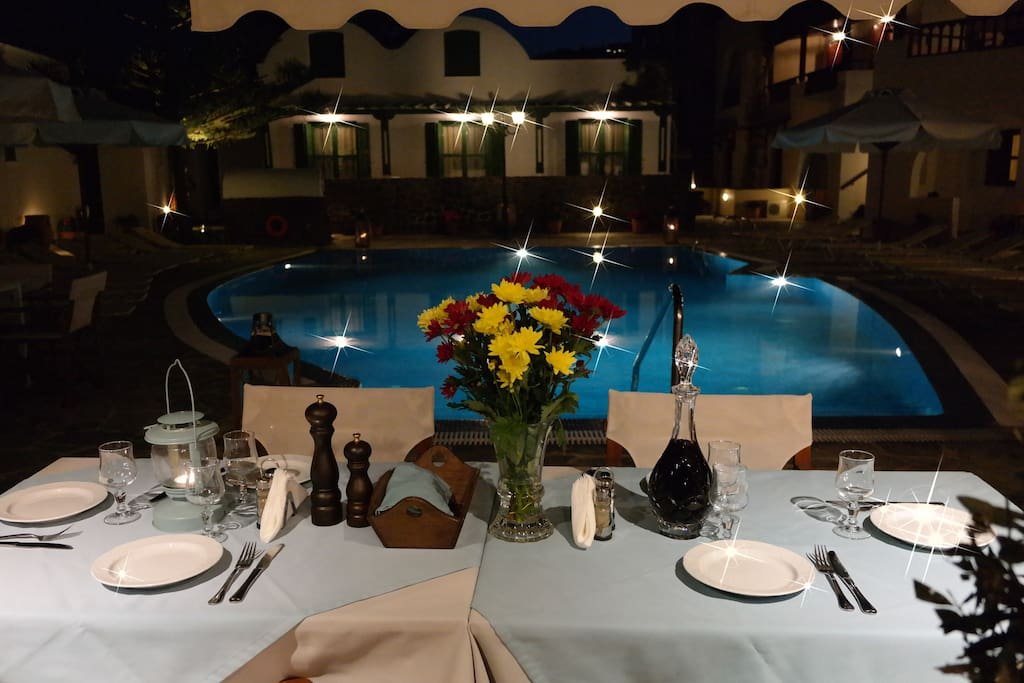 Great meals by the pool