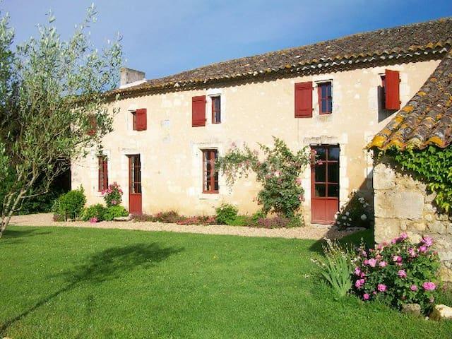 Maison d'hôte au coeur des vignes - Lugon-et-l'Île-du-Carnay - Casa