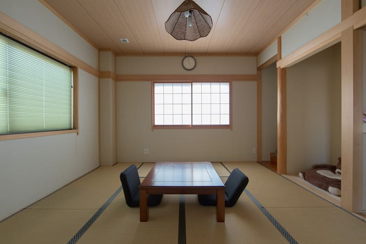 Private Tatami Suite Room in central Osaka!