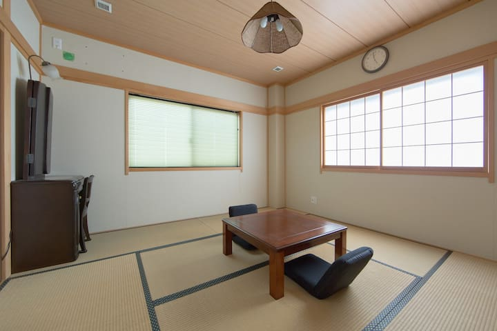 Authentic Tatami Suite Room! - Ōsaka-shi Higashinari-ku - Casa