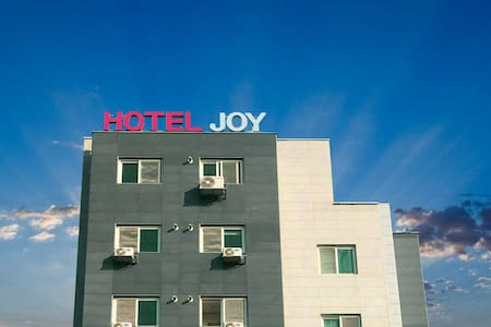 HOTEL JOY(Deluxe Room A), Close to Camp Humphreys