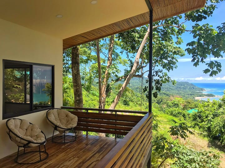 ****NEW Treetop Villa w/ STUNNING OCEANVIEWS****