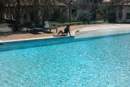 Upscale 1 bdrm Apt, pool view, free transportation - Juan Dolio - Bed & Breakfast