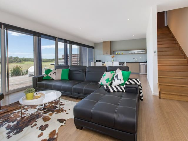 ST ANDREWS BEACH APARTMENT 4.01 - Fingal - Apartment