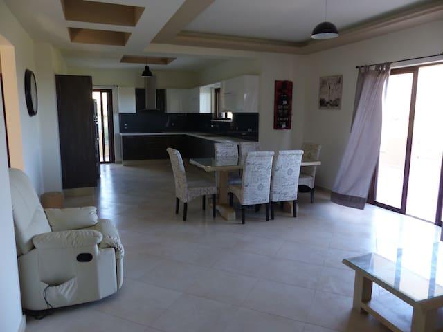 Villa Ikaros - Καλαμίτσι Αμυγδάλι - Casa