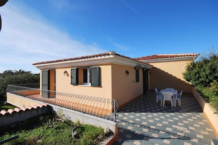 Villa sul mare in Res. con piscina - Santa Teresa gallura