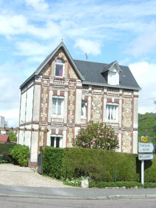 Auvray chambres 2 me tage maisons louer montville for Chambre haute france