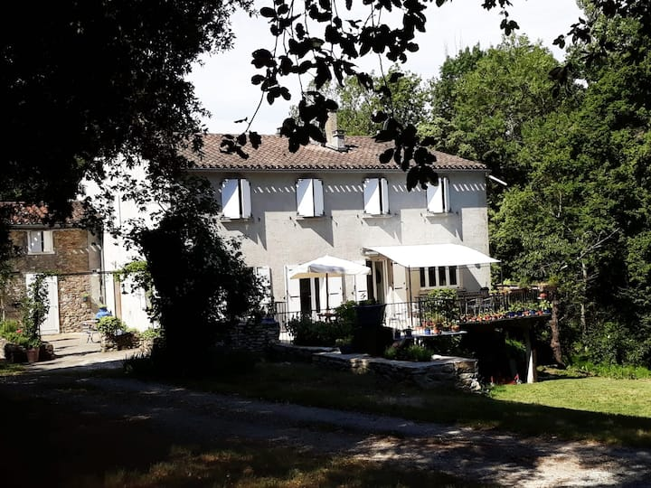 B&B-La Tuilerie-Domaine de Villelongue-Carcassonne