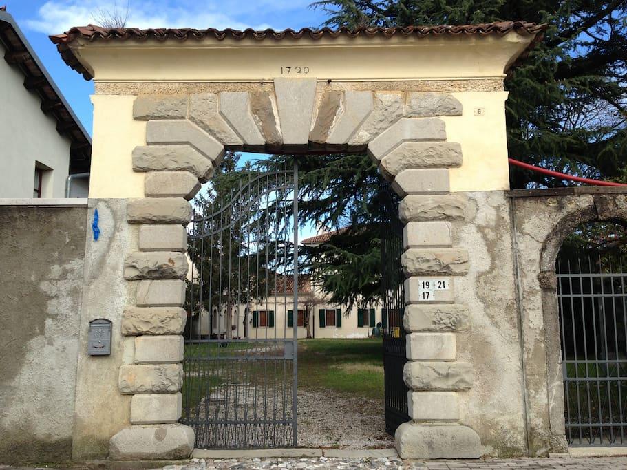 Portone principale di ingresso
