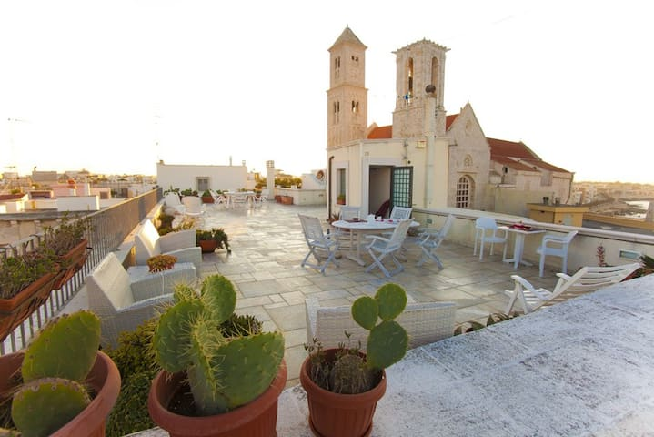 Duchess Sea House with private roof - Giovinazzo - Casa