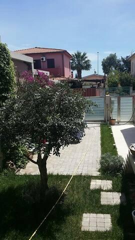 Appartamento Country Chic in Villa - Cagliari - Casa