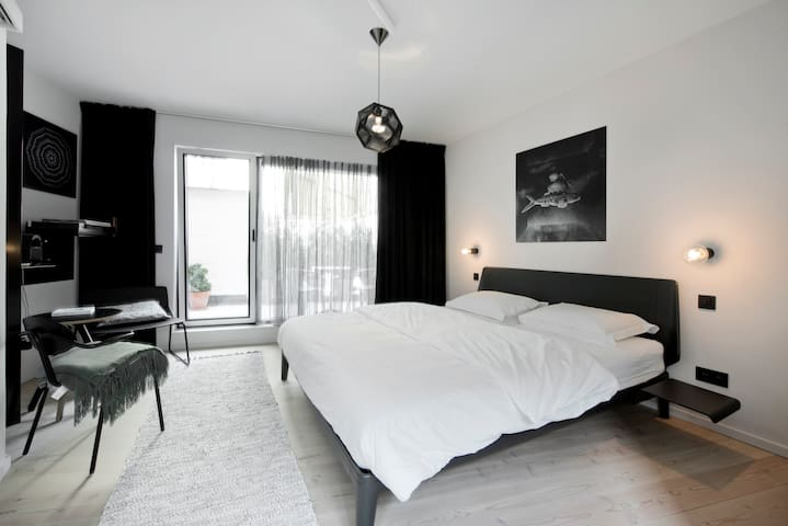 Lucy in the Sky, Diamond room - Antwerpen - Bed & Breakfast