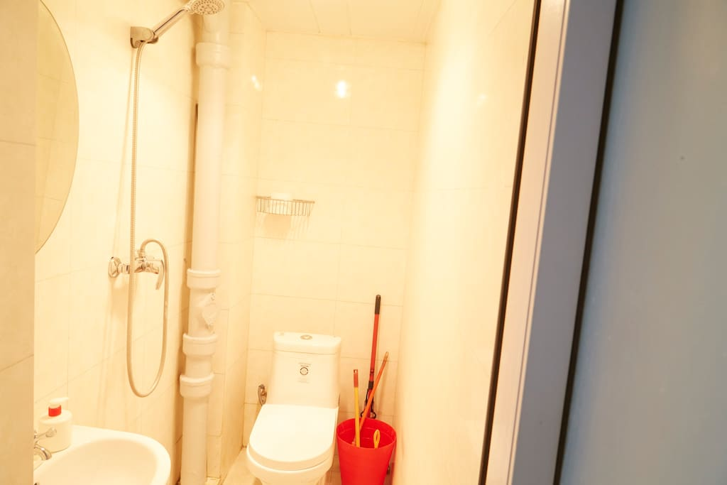 The Bathroom isn't big, as in most Chinese apartments, but there is enough space for convenient shower and 24h hot water. Most important is that it is clean!