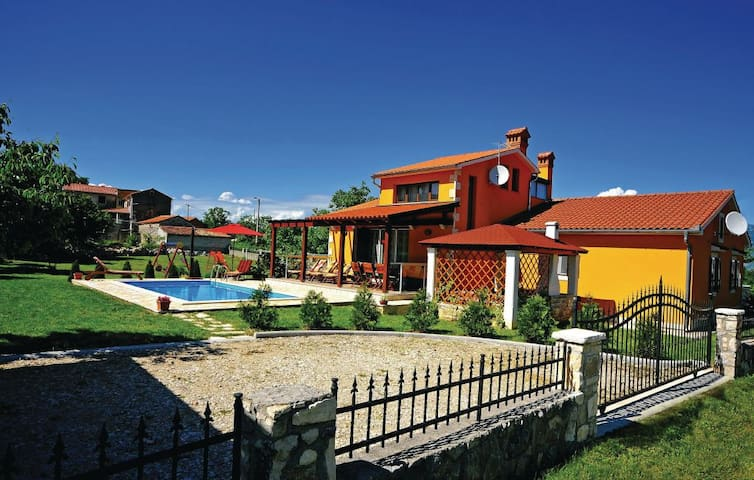 Lovely Villa Miranda in Istria - Kršan - House