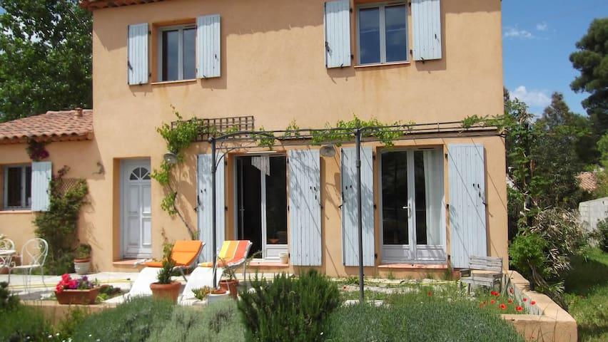 chambre privée campagne Marignane - Marignane - Casa