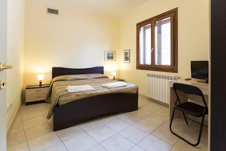 Beb2000 stanza singola/doppia 1 - Sassari