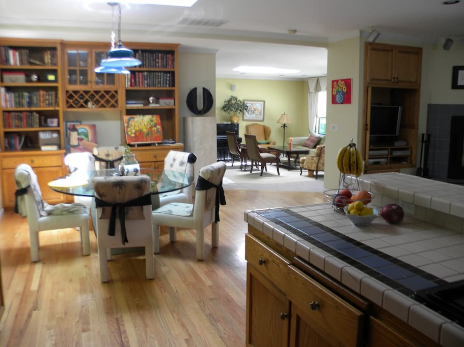dinette, off of the kitchen