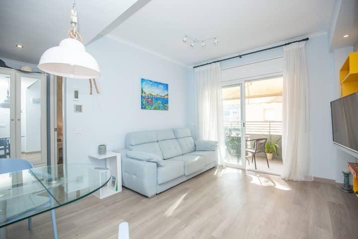 Apartamento acogedor y soleado en la  playa Fenals