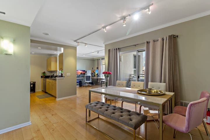 Luxury, Centrally located, Private bed & bathroom