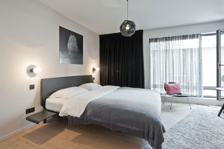 Lucy in the Sky, Lucy's room - Antwerpen - Bed & Breakfast