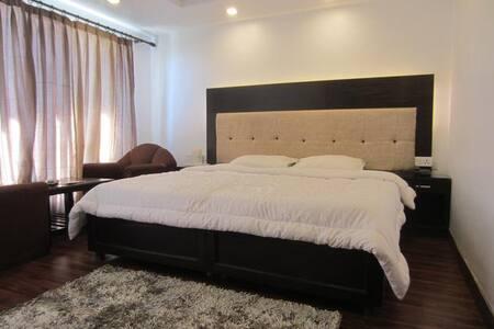 Hotel Dwaper - Bed & Breakfast