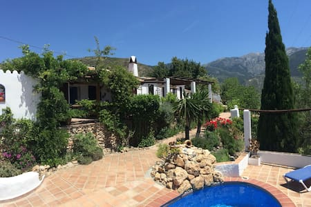 ¡Amazing view! Rustic charm. 3bdr