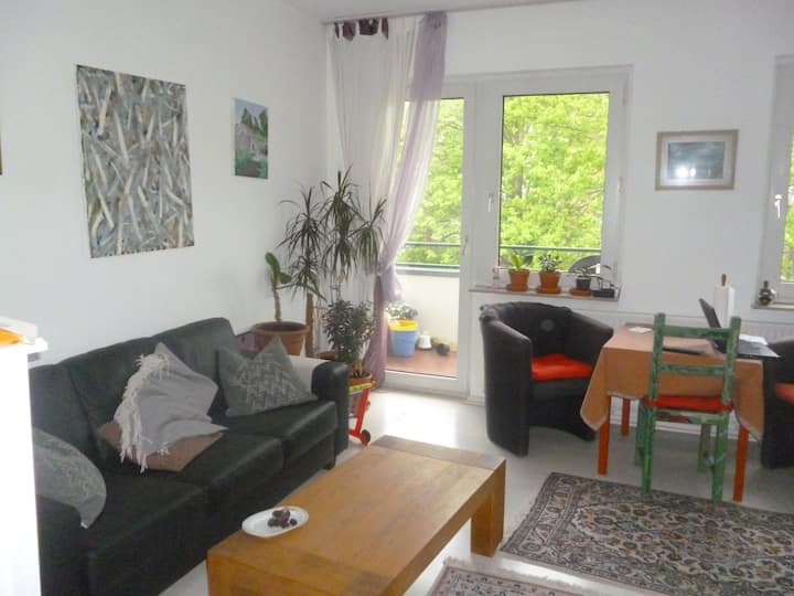3' to center, quiet flat, balcony, near forest