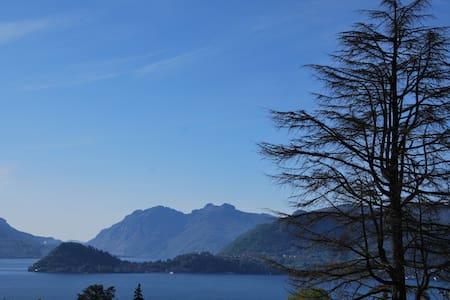 Magnolia big terrace and lake view - Menaggio