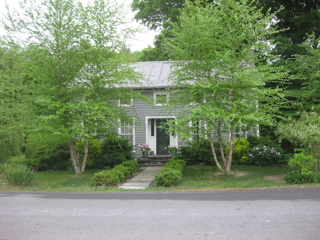 Columbia County Cottage - Hudson - Casa