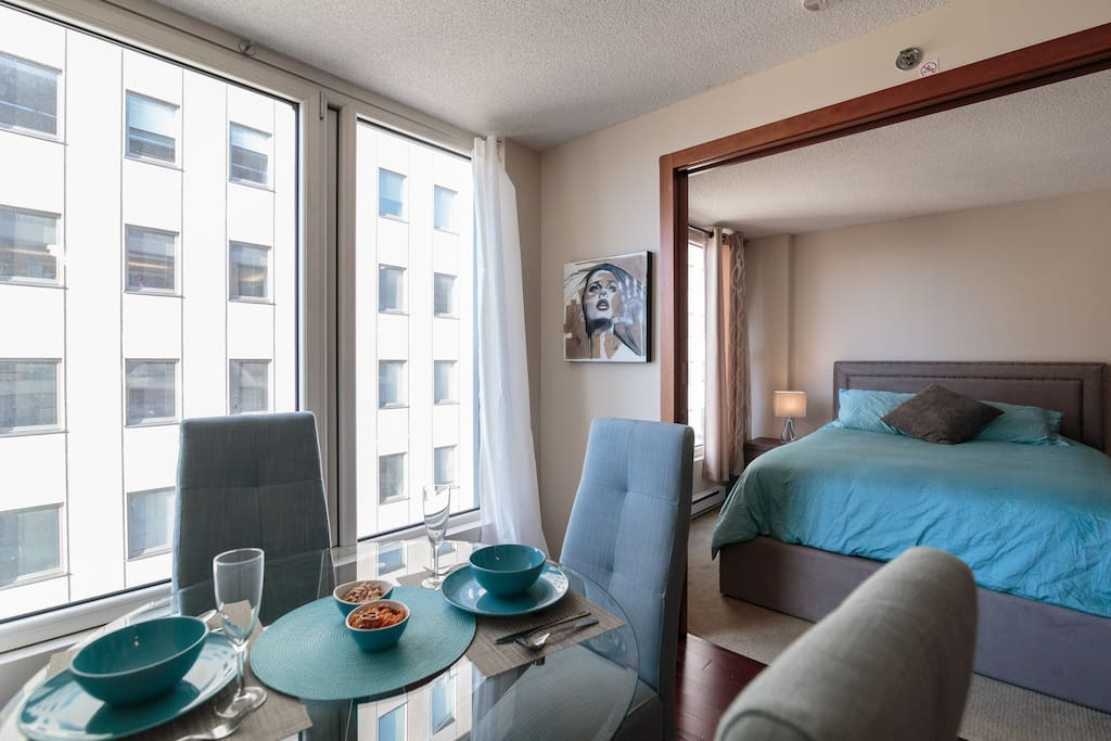 """Philippe was a wonderful host! He allowed us to check-in a bit early and was onsite to welcome us, help us park and give us the apartment overview. The apartment is modern, comfortable and centrally located. We would definitely stay here again!"""