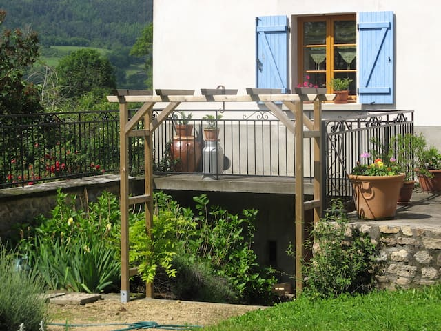 Gite paisible - Saint-Laurent-Rochefort - Casa