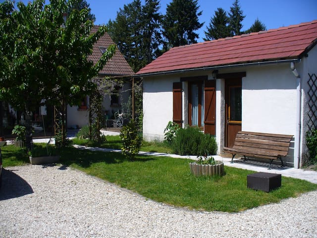 Chambre indépendante de la maison - Lamotte-Beuvron - Rumah