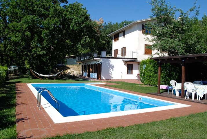 Beautiful villa with swimming pool - San Valentino in Abruzzo Citeriore - Villa