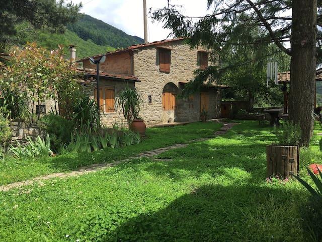 Deliziosa casa di montagna, Toscana - Chiassaia - House