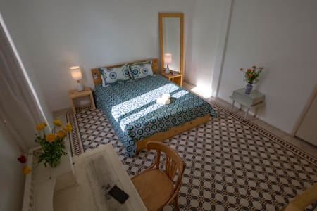 Beirut Guesthouse - White Room