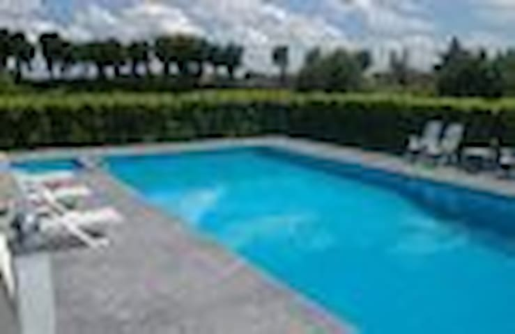 COUNTRYHOUSE WITH SWIMMING POOL - Cappella Maggiore