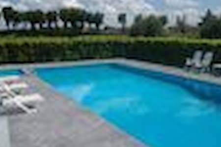 COUNTRYHOUSE WITH SWIMMING POOL - Cappella Maggiore - Willa
