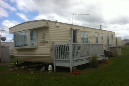 Mobile Holiday Home on Holiday Park, Sheerness. - Kent - Andet